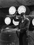 Coopering, Making Whiskey Barrels at Wiley and Co, Sheffield, South Yorkshire, 1961 Reproduction photographique par Michael Walters