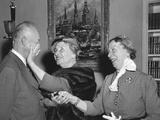 President Eisenhower with Helen Keller and Her Aide Polly Thompson Foto