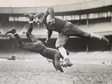 Chicago Bears Teammates Practicing as Joe Zeller Tries to Tackle Red Grange Foto