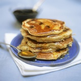 Blueberry Pancakes with Maple Syrup Reproduction photographique par Tara Fisher