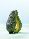 A Halved Avocado Lámina fotográfica por Armin Zogbaum