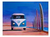 Blue White VW Surf Bus T1 Kombie Bulli At Surf Board Road Affiches par M Bleichner