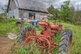 Tractors in Weeds Fotografisk trykk av Bob Rouse