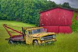 Truck in Weeds Fotografisk trykk av Bob Rouse