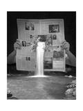 Breaking News Giclee-trykk av Thomas Barbey