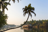 Kerala Backwaters Near Alleppey (Alappuzha), Kerala, India Impressão fotográfica por Peter Adams