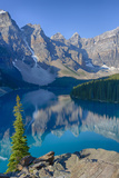 Canada, Banff National Park, Valley of the Ten Peaks, Moraine Lake Reproduction photographique par Jamie & Judy Wild