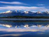 Canada, Alberta, Pyramid Lake in Jasper National Park Impressão fotográfica por Mike Grandmaison
