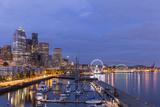 USA, Washington, Seattle. Night Time Skyline from Pier 66 Reproduction photographique par Brent Bergherm