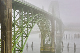 USA, Oregon. Yaquina Bay Bridge in Fog Fotografisk trykk av Jean Carter