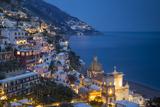 Twilight over Positano Along the Amalfi Coast, Campania, Italy Foto av Brian Jannsen