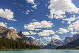 Canada, Alberta, Jasper National Park, Maligne Lake Fotografia por Jamie & Judy Wild