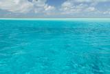 Bahamas, Exuma Island. Seascape of Aqua Ocean Foto von Don Paulson