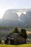 Cabins, Seiser Alm Sassolungo, Alpe di Siusi, South Tyrol, Italy Foto von Peter Adams