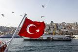 Turkish Flag, Passenger Ferry and Seagulls, Istanbul, Turkey Foto von Ali Kabas
