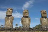Chile, Easter Island. Ahu Akivi, Ceremonial Platform with Moi Statues Foto af Cindy Miller Hopkins
