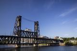 Oregon, Portland. Steel Bridge Spans the Willamette River Photographie par Brent Bergherm