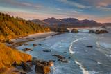 Sunset over the Coastline Near Cannon Beach, Oregon, USA Foto von Brian Jannsen