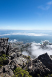A Boulder Field on the Summit of Table Mountain Overlooking Table Bay Lámina fotográfica por Edwards, Jason
