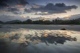 A Reflective Sunset on Praia Itamambuca, Ubatuba, Brazil Impressão fotográfica por Alex Saberi
