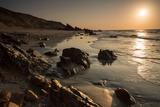 Sunset over the Rocks in Jericoacoara, Brazil Impressão fotográfica por Alex Saberi