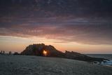 The Setting Sun Viewed Through the Hole at Pedra Furada, Jericoacoara, Brazil Reproduction photographique par Alex Saberi