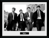 The Beatles- Walking In London Reproduction encadrée pour collectionneurs