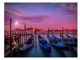 Venice Gondolas At Sunset Posters av Melanie Viola