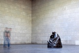 Mother with Her Dead Son, Statue by Käthe Kollwitz, Neue Wache, Berlin, Germany Fotografisk trykk av Felipe Rodriguez