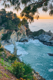Morning Cove and Waterfall, McWay Falls, Big Sur California Coast Lámina fotográfica por Vincent James