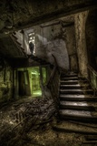 Haunted Interior Stariway Reproduction photographique par Nathan Wright