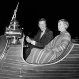 Dick Van Dyke with His Wife Margie at a Film Premier in London Impressão fotográfica