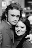 Phil Collins and Lavinia Lang Fotografisk tryk af Peter Stone