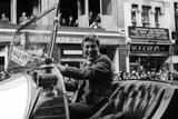 Dick Van Dyke Drives Chitty Chitty Bang Bang Impressão fotográfica por Fox Harry