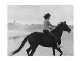 Vogue - February 1965 Impressão fotográfica premium por Toni Frissell