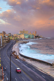 The Malecon Looking Towards Vedado, Havana, Cuba Fotografie-Druck von Jon Arnold
