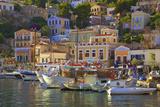 Boats in Symi Harbour, Symi, Dodecanese, Greek Islands, Greece, Europe Lámina fotográfica por Neil Farrin