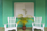 Chairs on the Porch of a House, Vinales, Pinar Del Rio Province, Cuba Reproduction photographique par Jon Arnold