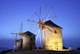 Illuminated Windmills of Chora, Patmos, Dodecanese, Greek Islands, Greece, Europe Fotografisk tryk af Neil Farrin