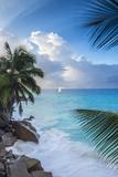 Tropical Beach, La Digue, Seychelles Premium fototryk af Jon Arnold