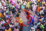 Asia, India, Uttar Pradesh, Nandgaon, Dancing During Holi Festival Impressão fotográfica por  ClickAlps