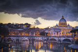 Rome, Lazio, Italy. Sunset on Tevere River, with Saint Peter Cathedral on the Background. Impressão fotográfica por  ClickAlps