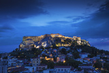 Greece, Attica, Athens, View of Plaka and the Acropolis Fotografisk tryk af Jane Sweeney
