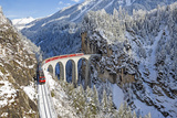 Bernina Train at Landwasser Viaduct, UNESCO World Heritage, Engadine, Switzerland Impressão fotográfica por  ClickAlps