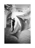 Silver Clouds Installation, Leo Castelli Gallery, NYC, 1966 Giclée-Druck von Andy Warhol/ Nat Finkelstein