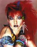 Cyndi Lauper Portrait in Red Hair and Blue Eye Lashes Fotografia por  Movie Star News