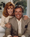 Hart To Hart Man in Suit and Woman in Long Sleeve Dress Foto di  Movie Star News