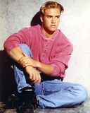Saved by the Bell in Jeans and Maroon Long Sleeve Portrait Foto di  Movie Star News