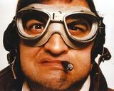 John Belushi wearing Goggles Close Up Portrait Foto van  Movie Star News