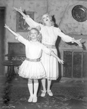 Whatever Happened To Baby Jane Girl and Woman in Same Dress Fotografia por  Movie Star News